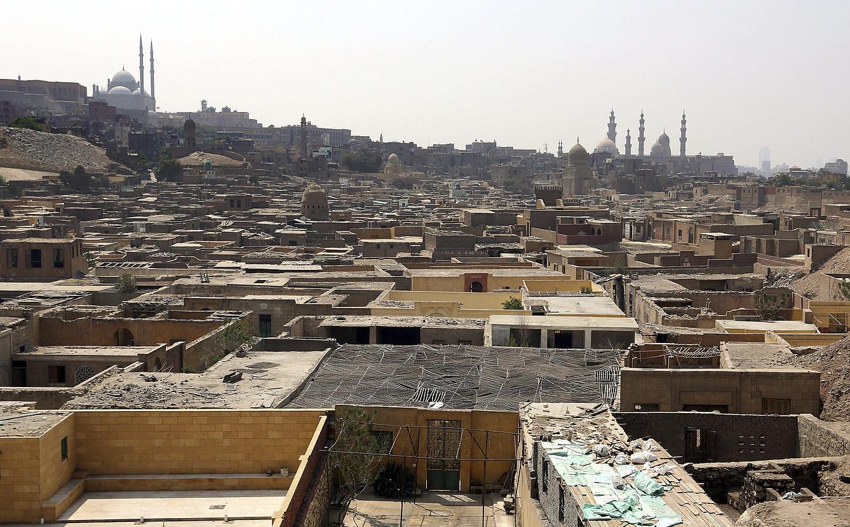 Mokattam auzune txiroa, Kairon. Bertan kokatu zuen <em>Laranja bat zaborretan</em> eleberria Patxi Zubizarretak.