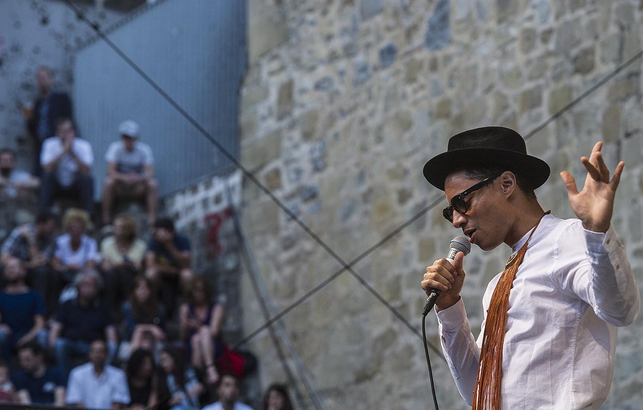 Jose James, igandeko kontzertuan. ©JAGOBA MANTEROLA / ARGAZKI PRESS
