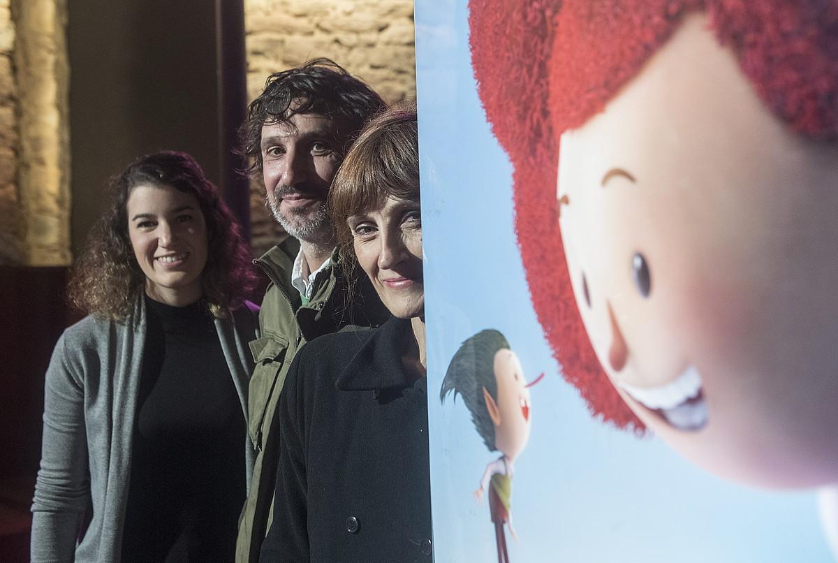 Clara Sanz (Super Amara), Ricardo Ramon (Dibulitoon) eta Agurtzane Intxaurraga, atzo, Donostian. ©JON URBE / ARGAZKI PRESS