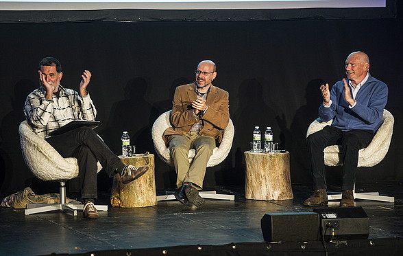 Iñaki Antiguedad, Jaume Lopez eta Juan Jose Ibarretxe, Diman atzo eginiko ekitaldian. / MARISOL RAMIREZ / ARGAZKI PRESS