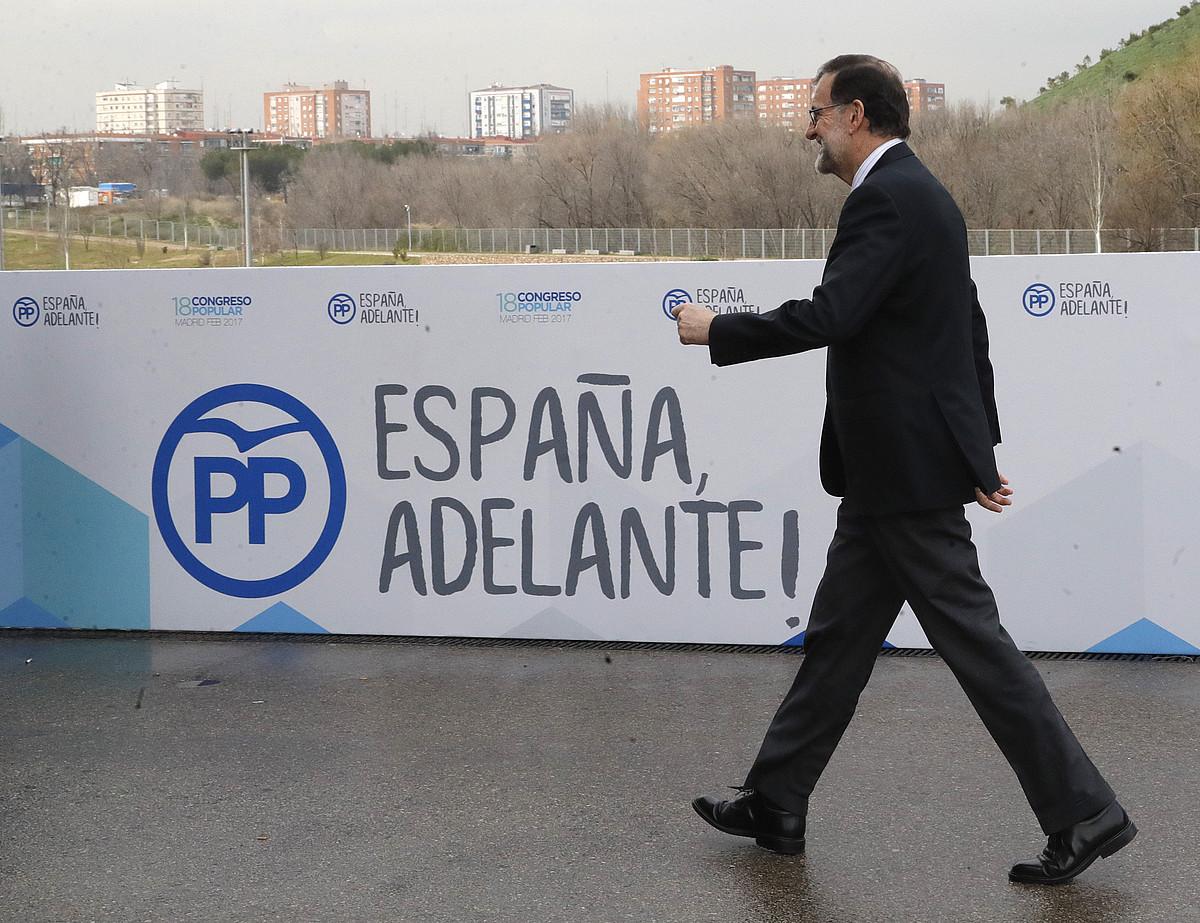 Mariano Rajoy Espainiako presidentea, PPren kongresura bidean, atzo, Madrilen. ©JUANJO MARTIN / EFE