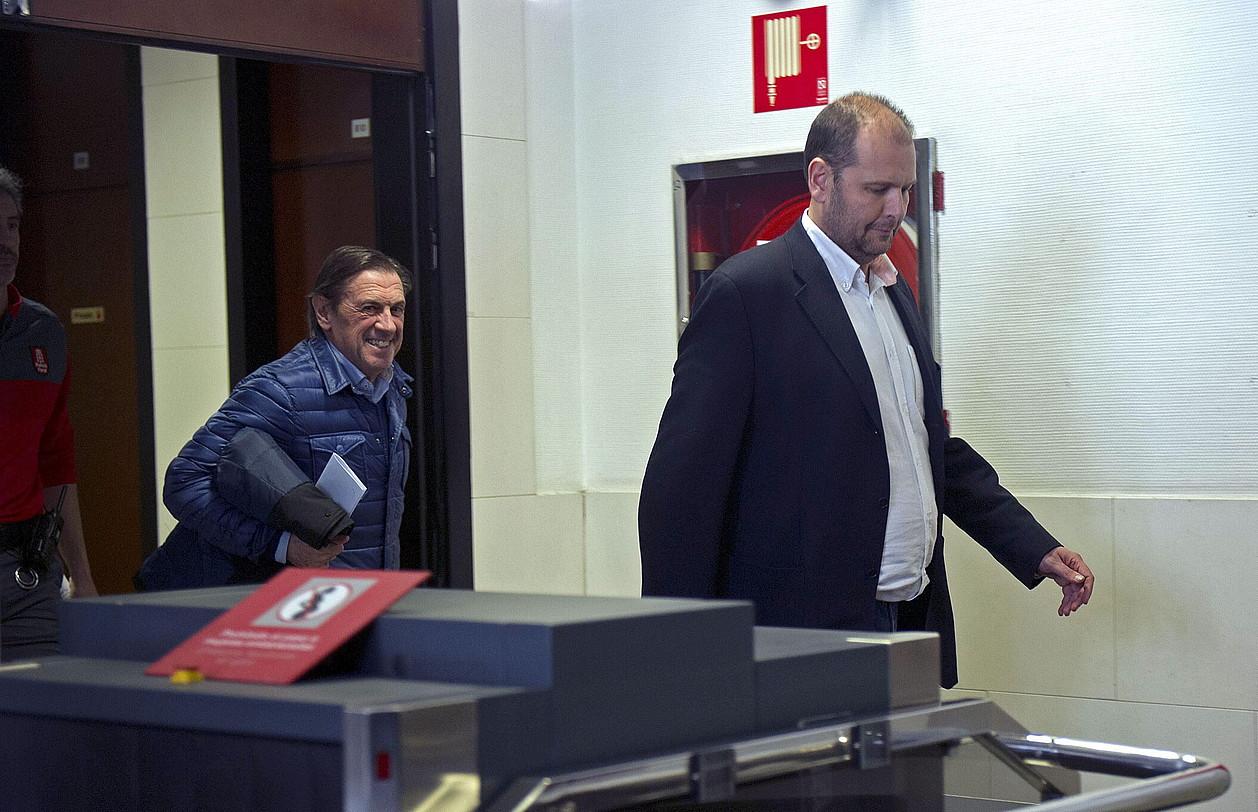 Miguel Artxanko Osasunako presidente ohia eta Txuma Peralta zuzendaritzako kide ohia, epaitegira deklaratzera eraman zituzten egunean.