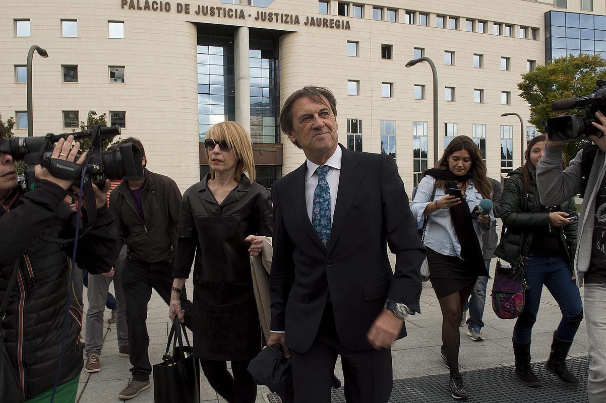Miguel Artxanko Osasunako presidente ohia Iruñeko epaitegietatik irteten. ©IÑIGO URIZ / ARGAZKI PRESS