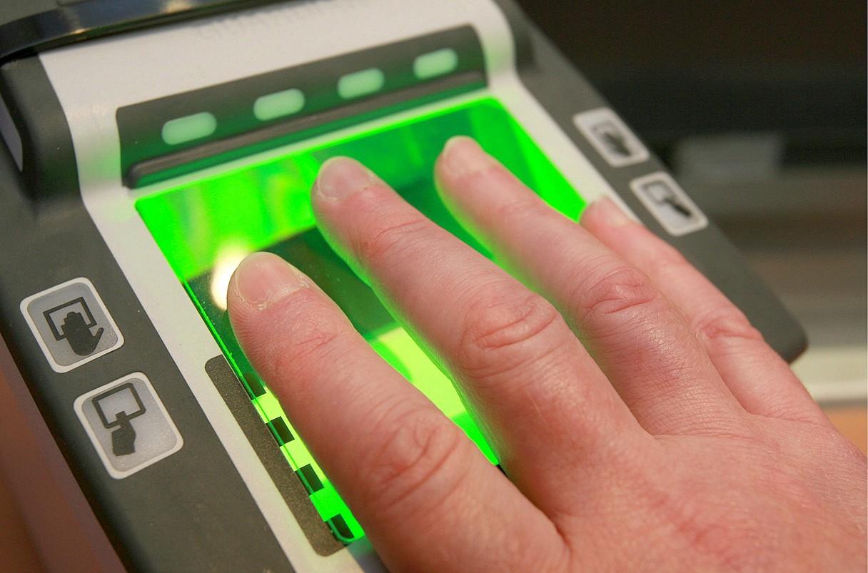 Hatz marka digitala kontrolatzeko makina bat, artxiboko irudian.