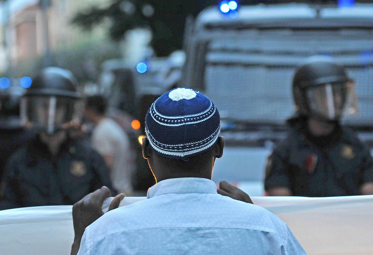 Herrialde KatalanetakoSalt herrian 2011n islamofobia salatzeko eginiko mobilizazioa ©ROBIN TOWNSEND/ EFE