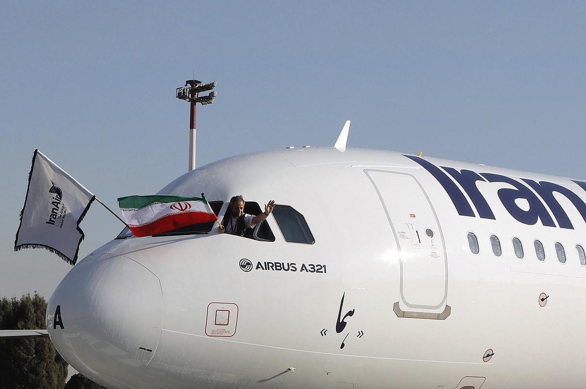 Iran Air konpainiak Airbusi erositako A321 hegazkin bat, Teherango aireportura iristen, urtarrilean. ©ABEDIN TAHERKENAREH / EFE