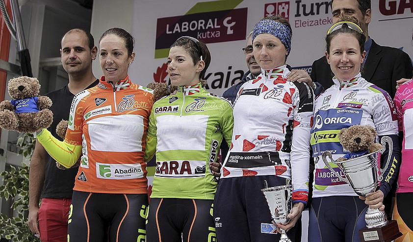 Bastianelli erregulartasunaren elastikoarekin, Santesteban lehen euskal herritarra, Bravard mendikoarekin, eta Spratt liderra, atzo, Markinako podiumean.