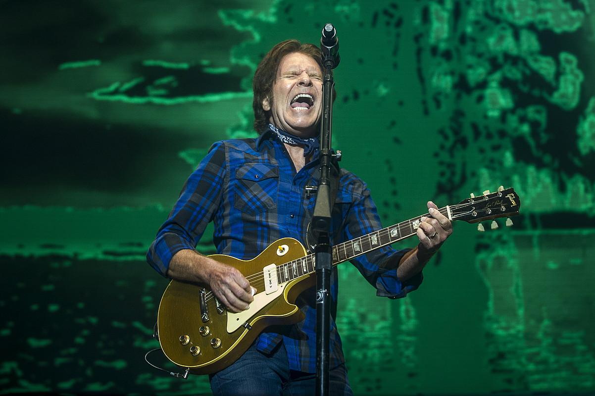 John Fogerty musikaria izan zen lehen jardunaldiko protagonista aurtengo Azkena Rock jaialdian. ©JAIZKI FONTANEDA / ARGAZKI PRESS