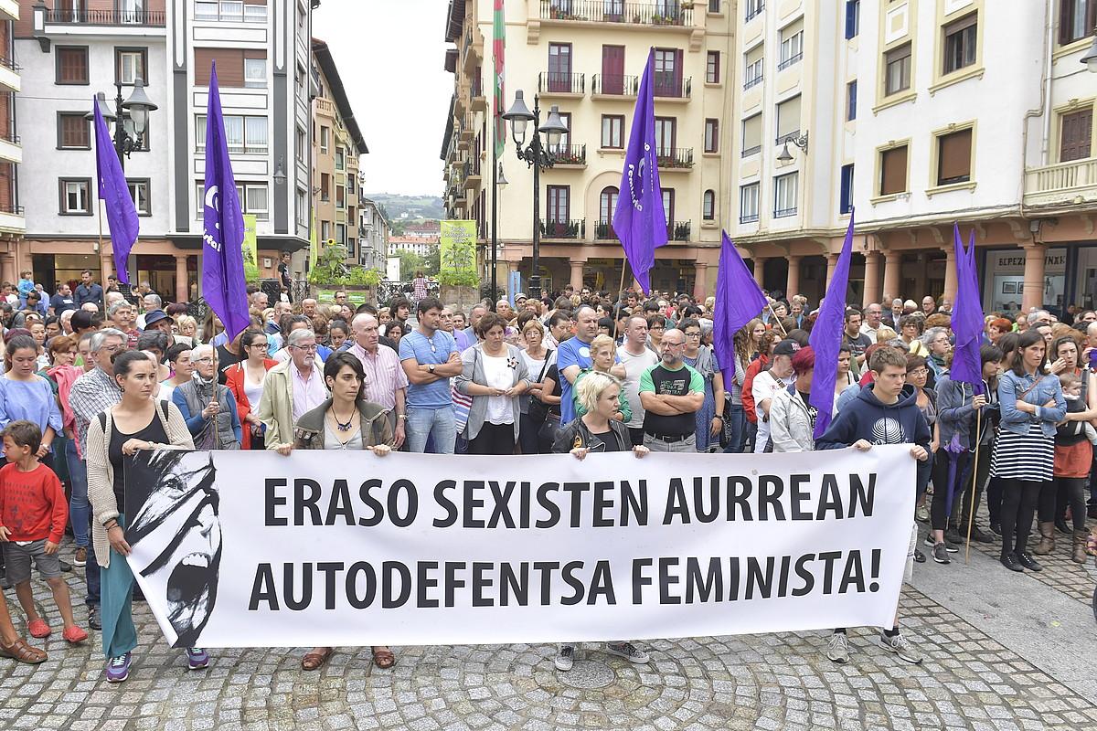 Iazko udako protesta bat, eraso matxista bat salatzeko, Zarautzen. ©I.ZABALETA / ARP