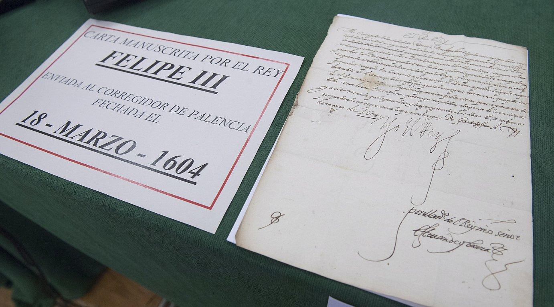 Ertzaintzak berreskuraturiko gutun zaharretako bat, 1604koa. ©JUAN CARLOS RUIZ / ARGAZKI PRESS