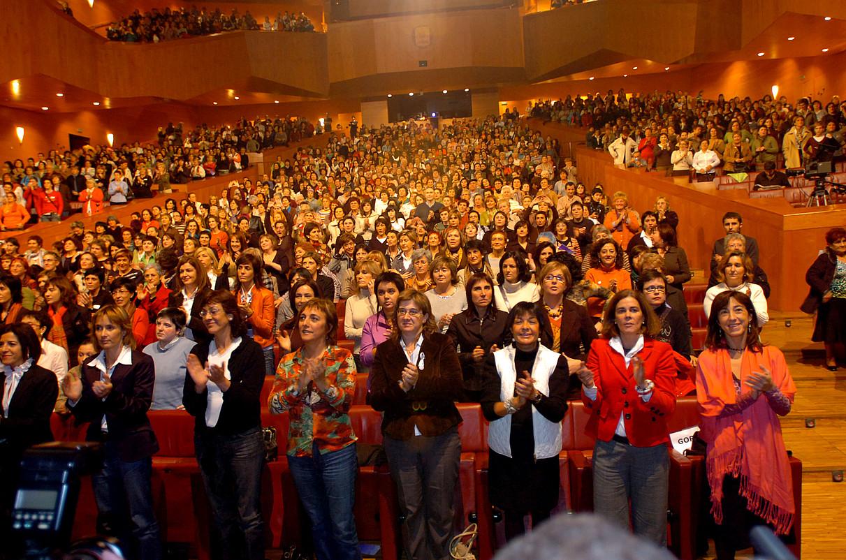 Larrañaga, eskuinetik bigarrena, Bilboko Euskaldunan, 2006an. ©M. RAMIREZ / ARP
