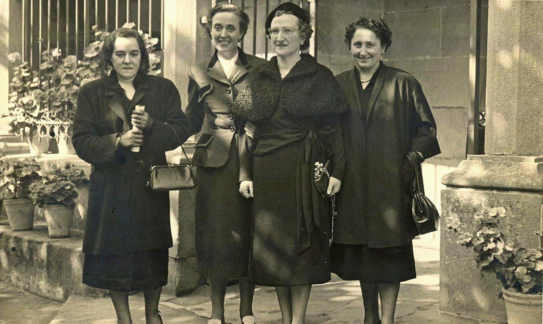 Solidarioak, espioiak eta emakumeak