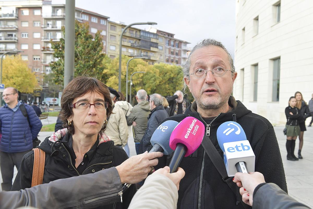 Kamerak «leku publikoan» jarri zituela argudiatu du Bernadek