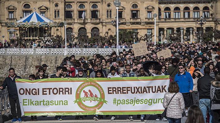 Errefuxiatuen aldeko manifestazioa