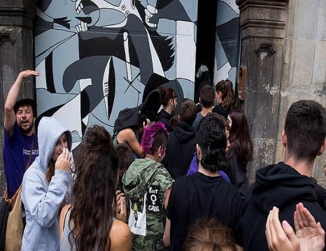 Iruñeko Maravillas gaztetxea hustu dute
