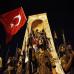 herritarren_protesta_militarren_aurrean_istanbulgo_taksim_plazan