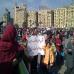 tahrir_plazan_familia_osoa_elkartzen_da_argazkia_ateratzeko_2011_02_14