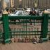 tahrir_plazako_adokinak_ez_dira_berlingo_harresiko_harri_puskak_baina_une_historikoaren_lekuko_zuzenak_dira_baita_borrokarako_tresna_ere_2011_02_18