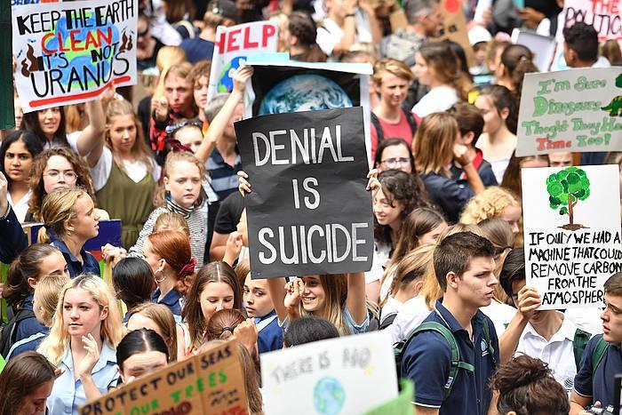 Klima aldaketaren aurkako ikasle greba