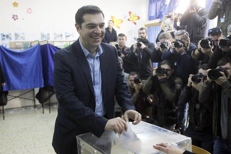 Alexis Tsipras, bozkatzen.