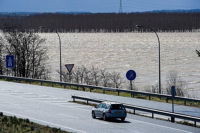 Ebro, gainezka egitear.