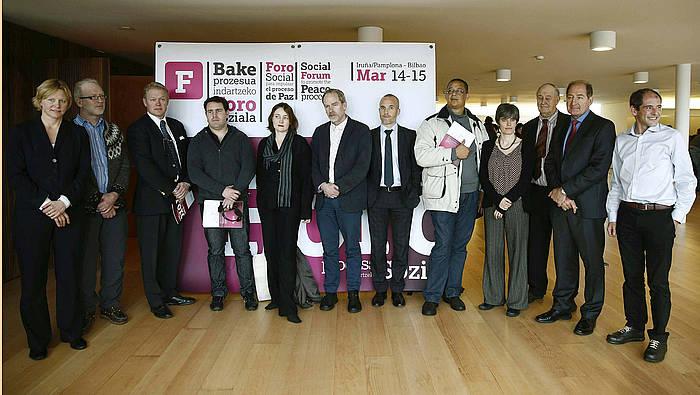 Lokarrik eta Bake Bideak antolatutako Bake Prozesua Indartzeko Foro Soziala, Iruñean.