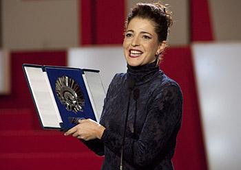 Nora Nova aktore onenaren sariarekin, 'Pa negre' filman egindako lanagatik (2010-09-25)