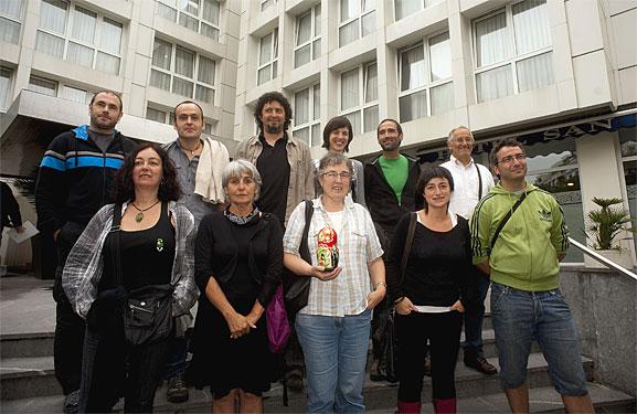 D3M eta Askatasuneko auzipetuak Donostian, absoluzioaren berri jakindako egunean