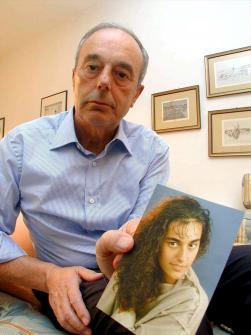Giuseppe Englaro, alabaren argazkiarekin.