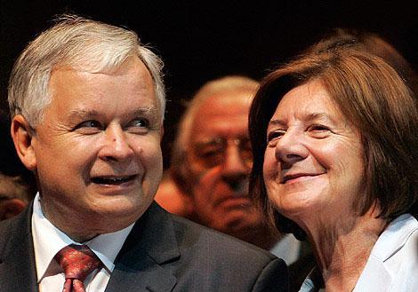 Lech Kaczynski Poloniako presidentea eta haren emaztea.