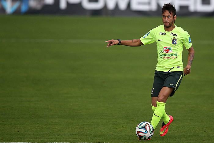 Neymar, entrenatzen. ©Marcelo Sayao / EFE