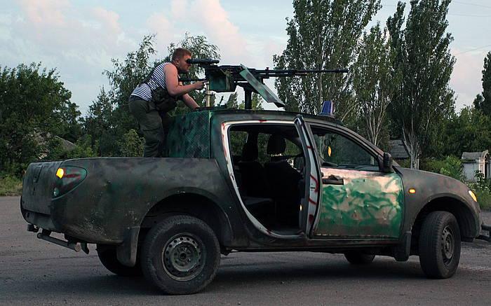 Matxino errusiazale bat, Donetsk inguruko kontrol gune batean. /