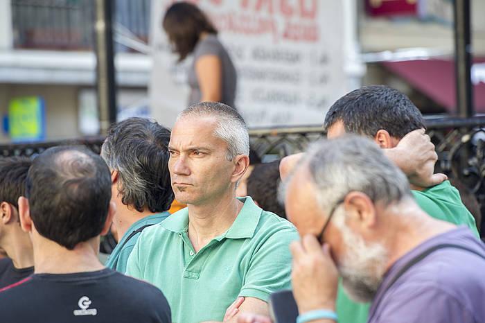 Joseba Permach, auziaren sententzia salatzeko elkarretaratzean, atzo, Zarautzen.