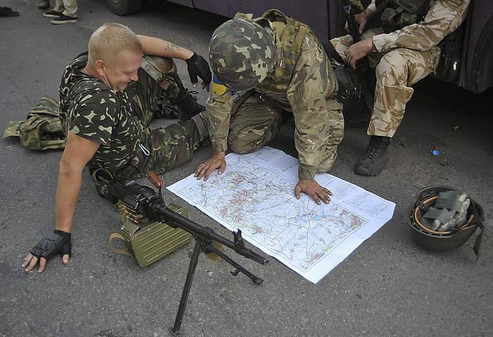 Ukrainako armadako soldaduak, Luhansk inguruan.