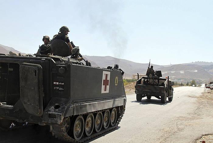 Libanoko armadaren tankeak, Arsaletik iristen. /