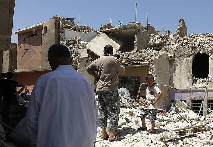 Irakeko aireko armadaren eraso bat, Mosulen. /