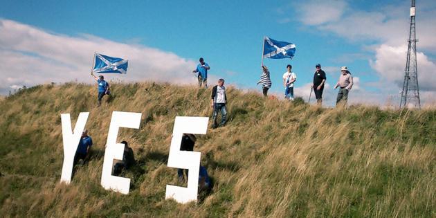 Eskoziaren independentziaren aldeko kanpainaren baitan, baiezko mezua Burntislanden. ©/ Yes Scotland