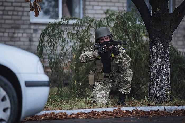 Ukrainako armadako soldadu bat, artxiboko irudi batean. /