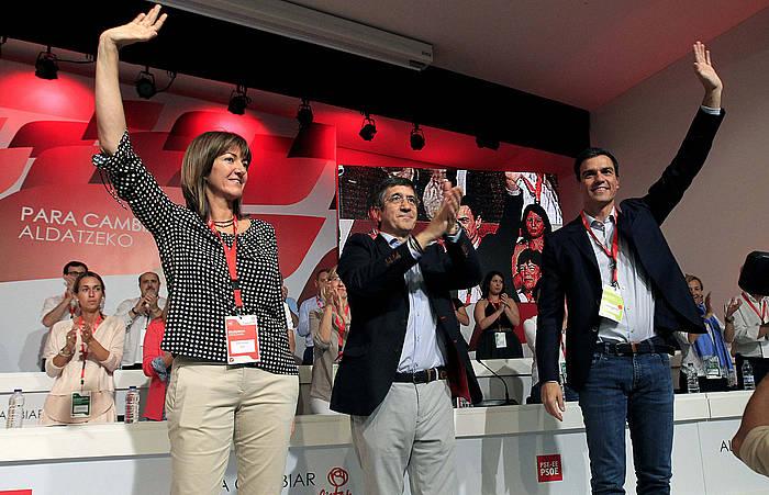 Idoia Mendia, Patxi Lopez eta Pedro Sanchez, gaur, Bilboko kongresuan.