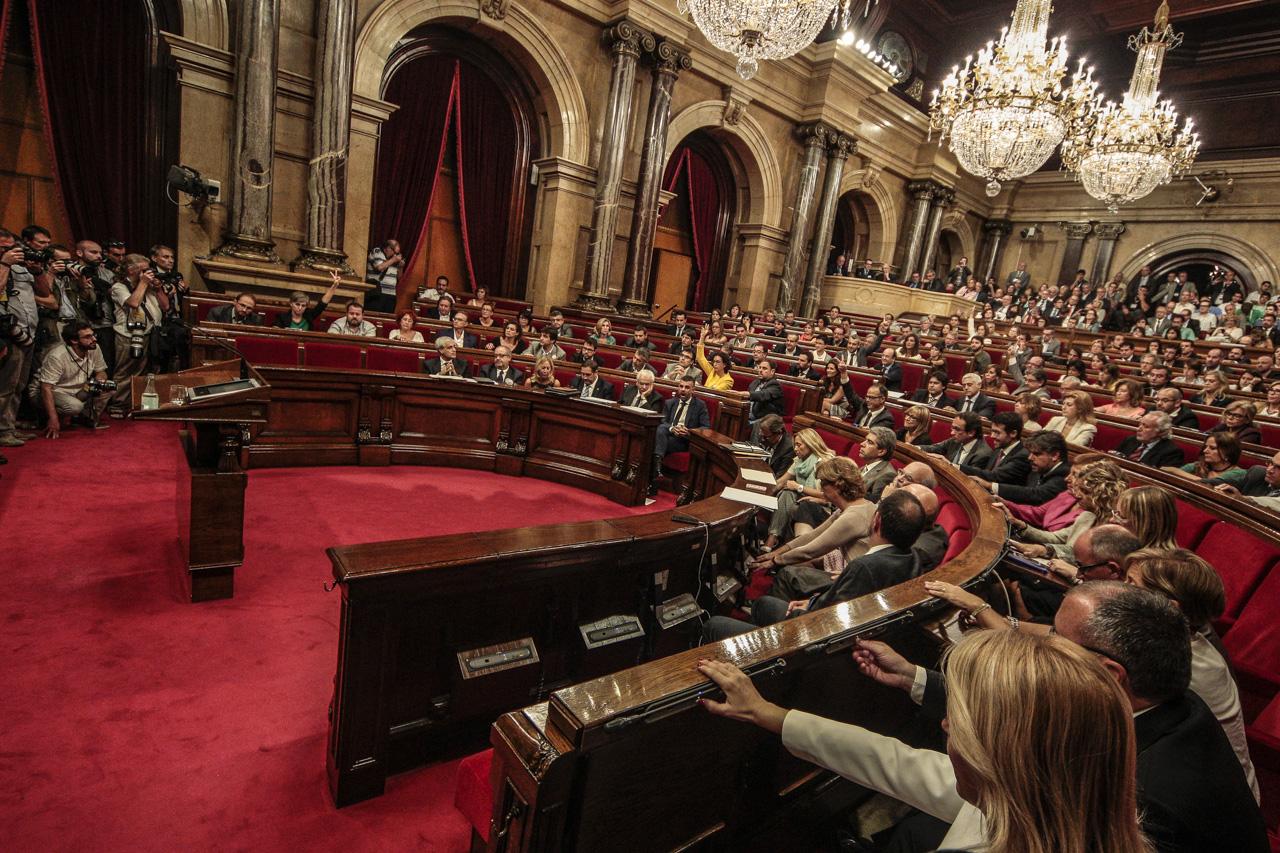 Gobernuaren kontrol saioa Kataluniako Parlamentuan.