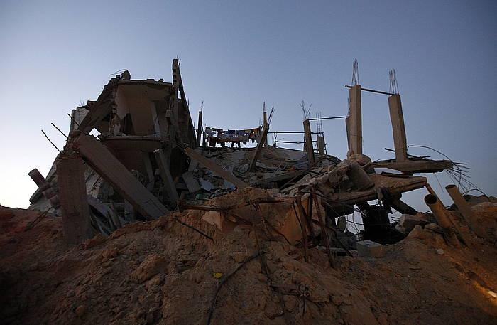 Suntsitutako etxe bat, Gazan. /