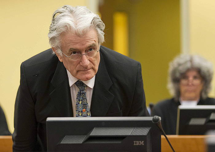 Karadzic, iaz, auzitegian. /