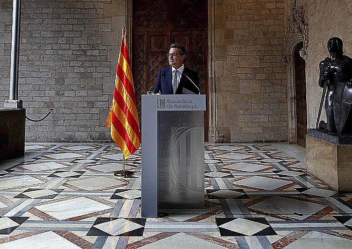Ia bi orduko prentsaurrekoa eman zuen Artur Mas Kataluniako presidenteak atzo, Generalitatearen Jauregian.