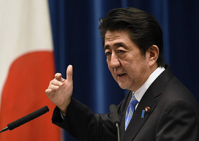 Shinzo Abe Japoniako lehen ministroa, gaur egindako agerraldian.
