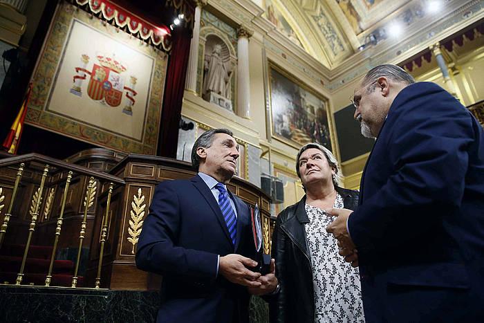 EAJ Xabier Agirre, EH Bilduko Belen Arrondo eta PSE-EEko Txarli Prieto, Espainiako Kongresuan.