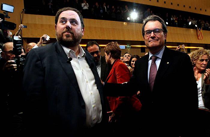 Junqueras eta Mas, ERCko buruak bere proposamena aurkeztu zuen ekitaldian. /