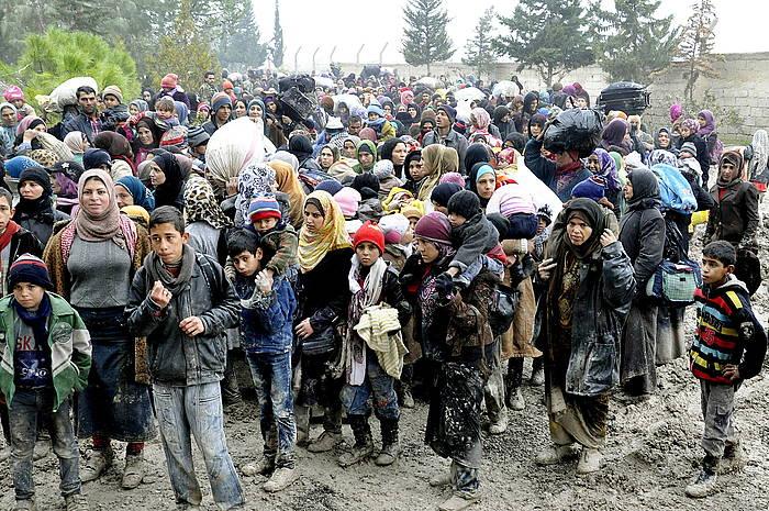 Azken hilabeteotan milaka herritarrek egin dute ihes Damaskotik, borrokak direla eta.