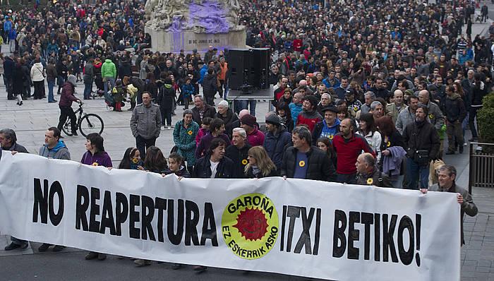 Garoñako zentral nuklearra behin betiko ixtea eskatzeko manifestazio bat, Araba Garoñarik Gabe plataformak antolatuta./