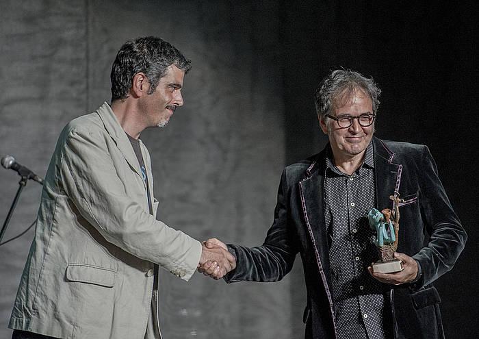 Eneko Goia Donostiako alkatearen eskutik jaso zuen saria Ordorikak.