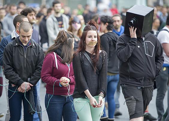 Mozal legearen aurkako protesta.